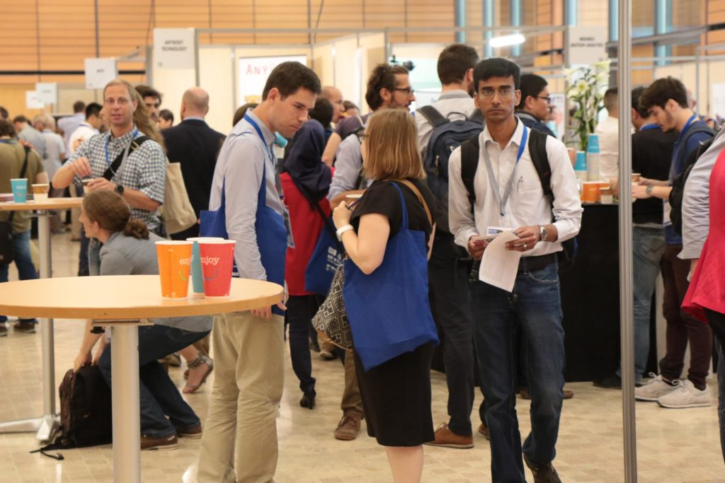 exhibitor-area-during-coffee-breaks